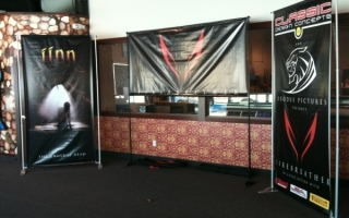 Banner_Stands_2